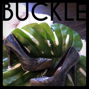 Buckle stiletto heels ⭐️sz 8 ⭐️brown snakeskin